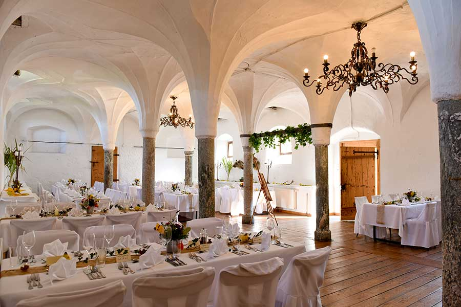 Getting married at Schloss Kammer
